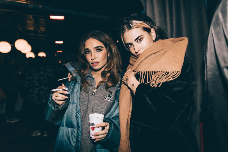 Rebecca Scheja & Emilie Roslund