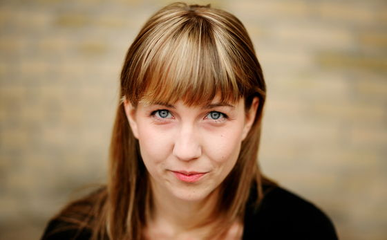 Nora Nilsson regisserar Århundradets kärlekskrig.
