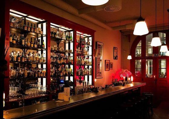 Bar Hommage.