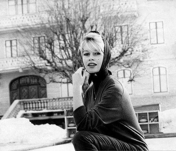 Ja, det här är en jättegammal bild på Brigitte. Men det fanns ingen ny gratis på internet.