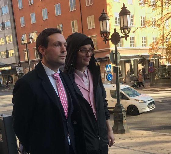 Advokat Viktor Banke och Frej Larsson.