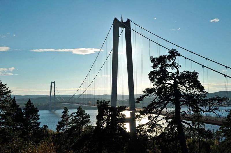 HÖGAKUSTENBRON I ÅNGERMANLAND. Wikimedia
