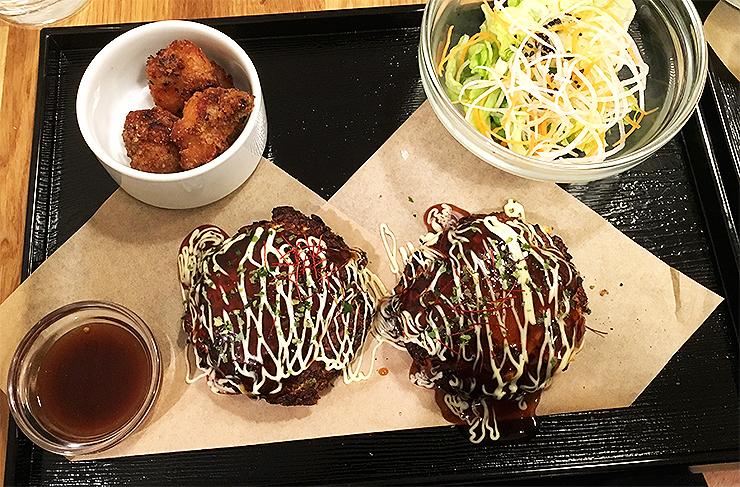 Low carb okonomiyaki med luftfriterad kyckling.