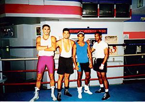 george-och-nagra-av-de-andra-boxarna-i-gymmet-i-florida-foto-privat.jpg