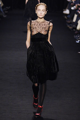 givenchy_aw06_0.jpg