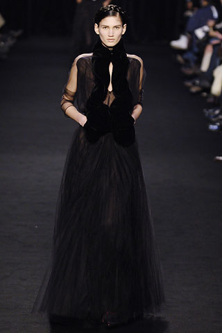 givenchy_aw06_2.jpg